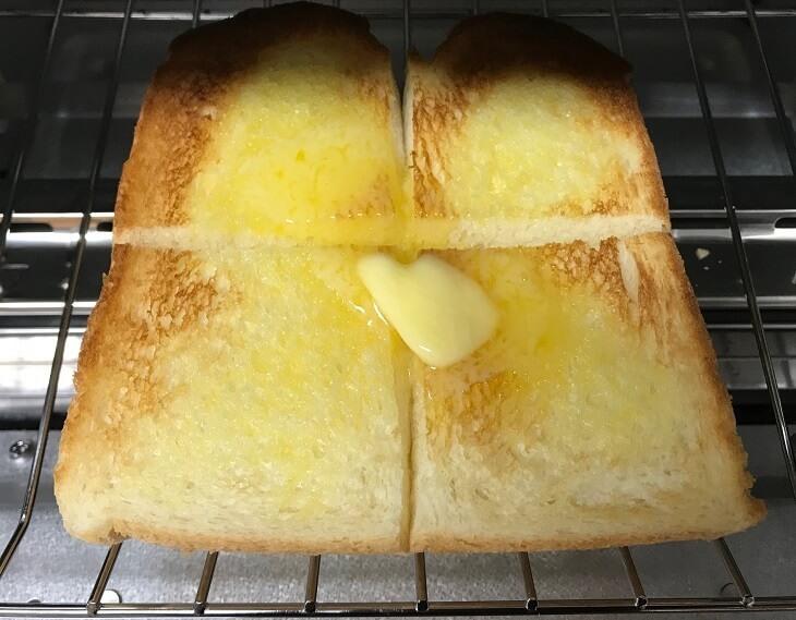 バルミューダトースターでバタートーストを焼いた