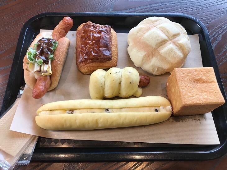 「ベーカリーアンドテーブル箱根」のパン